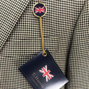T Harris London 42 Long Silk & Wool Two Button